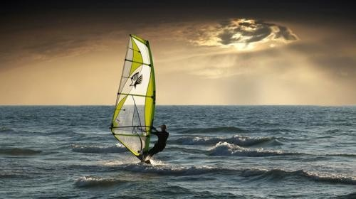 windsurfing in Goa | Goa Tour and Travel Guide
