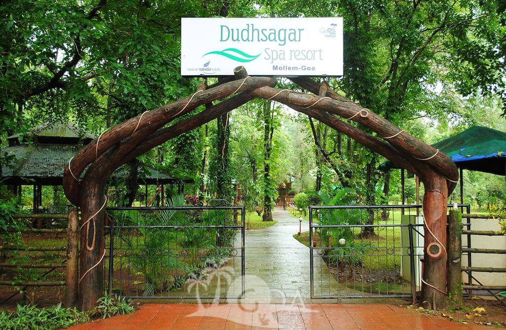 Dudhsagar Spa Resort (Farmstay)